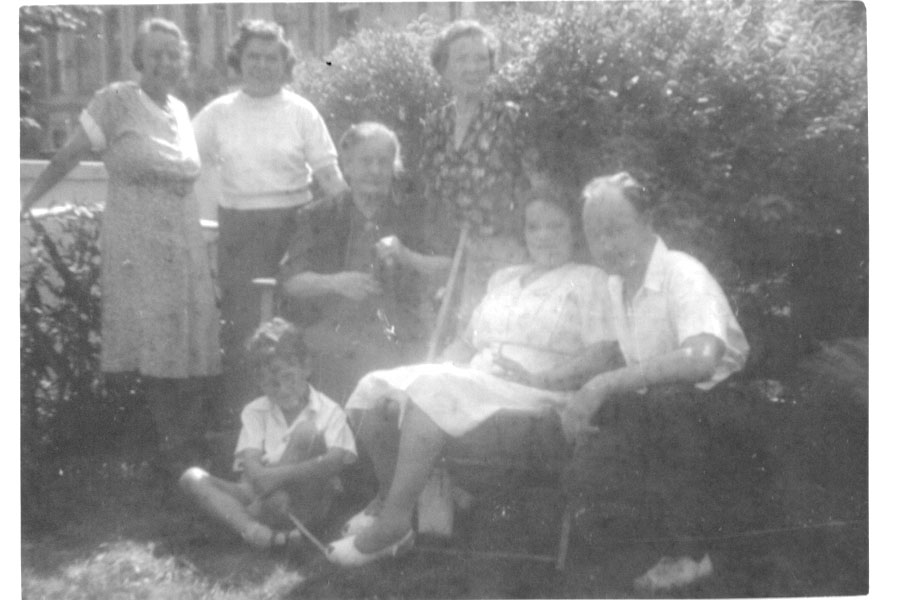 1950 Michael, dad and the aunts